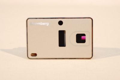 指紋辨識卡 鋁板材沖床+陽極+噴砂+鑽刻